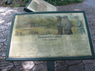 Skinner Butte Cabin-Sign