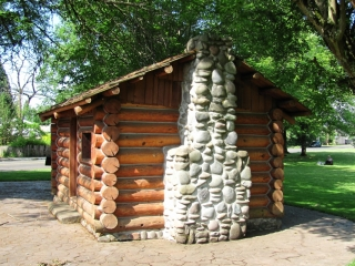 Skinner Butte Cabin-Chimney  (Replica)